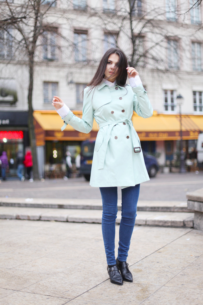 pedalfar:  TheGoldenDiamonds: Trench Coat and Loafers