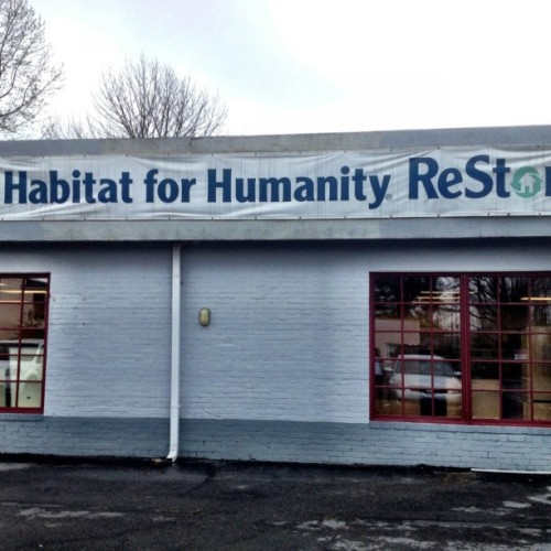 #habitat for humanity Restore is the best kept secret for handy men and women. You may just about anything in this store. The store in Frederick moved to an larger location #housing #deal #snaptweet #iphoneography  (Taken with Instagram at Hanging out in Frederick)