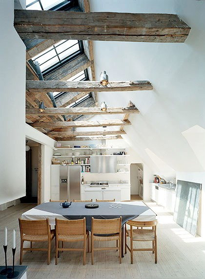 A light and open European kitchen and dining room space (via A Beautiful Living)