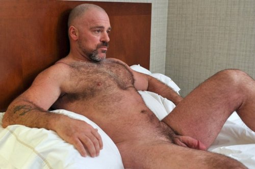 guysthatgetmehard:  in bed with bronson
