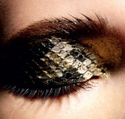 walkingthruafog: Snakeskin eyeshadow by Patrycja Dobrzeniecka (This photo is edited by walkingthruafog, please do not repost it, thank you)