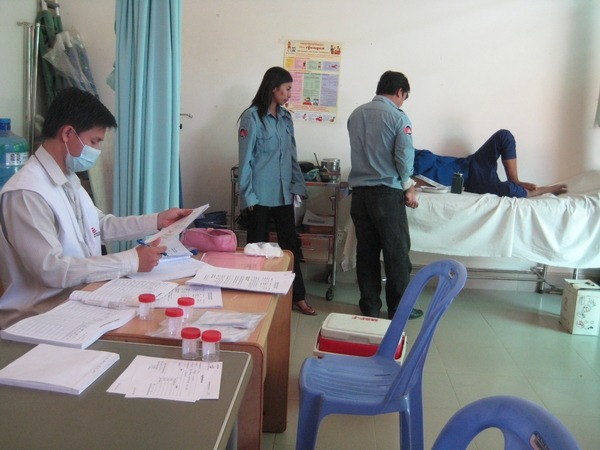 doctorswithoutborders:  Cambodia: Improving TB Detection and Treatment in Prisons Doctors Without Borders is expanding medical activities in three prisons in Phnom Penh, Cambodia, to include basic primary health care in addition to providing ongoing tuberculosis (TB) and HIV/AIDS screening and treatment support. MSF has been working in CC1, CC2, and PJ prisons in Phnom Penh, which collectively contain 25 percent of Cambodia's total prison population, since February 2010. The priorities have been to improve detection of  TB and HIV and provide correct care and treatment for prisoners affected by the diseases during their detention. TB is spread by airborne droplets released when an infected person coughs, so the overcrowded, poorly ventilated and cramped conditions in Cambodian prisons provide ideal conditions for the disease to breed.Photo: Cambodia 2011 © Christine Wagari/MSF MSF staff supervise TB and HIV screening in CC1 Prison, Phnom Penh, Cambodia