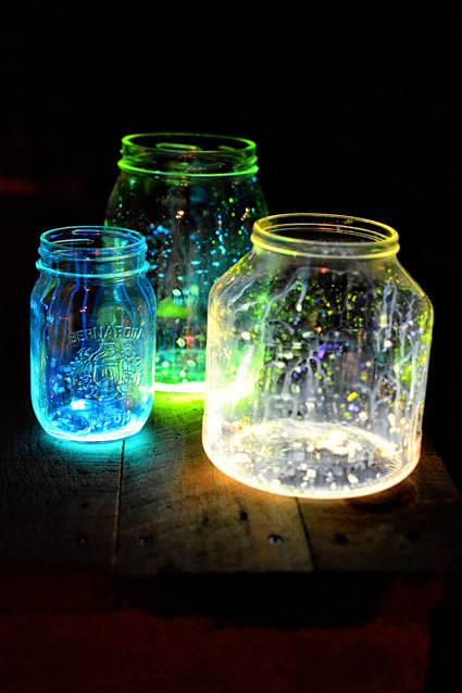 fuckyeahcraft:  How to make amazing glow jars!