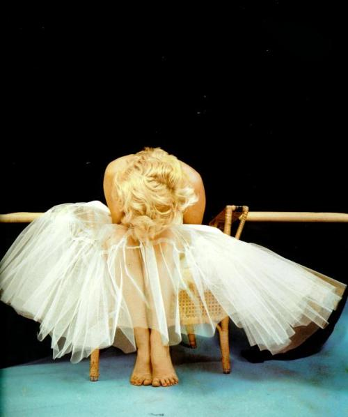 thebeautyofmarilyn:  Marilyn taken by Milton Greene in the Ballerina Sitting.