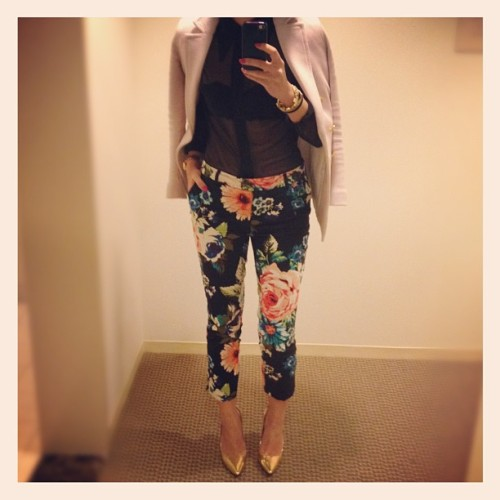 #ootd @hmusa #floral pants, #theysenstheory top, @zara pumps (Taken with instagram)