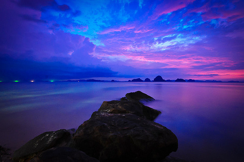 poppysbythetreekiller:  Hong Islands by Chic*ka on Flickr.