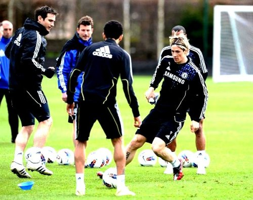 Torres, Lampard and Bosingwa - Pre Match Training - 24/03/12 - ( Man City vs Chelsea )