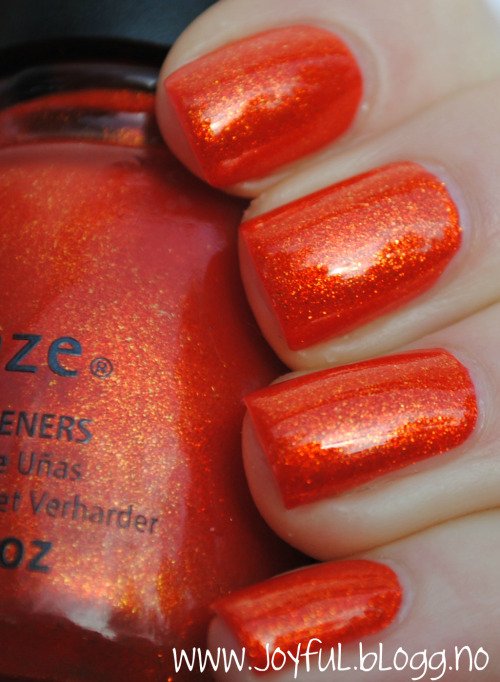 China glaze - Riveting LOVE this colour, it's so pretty.