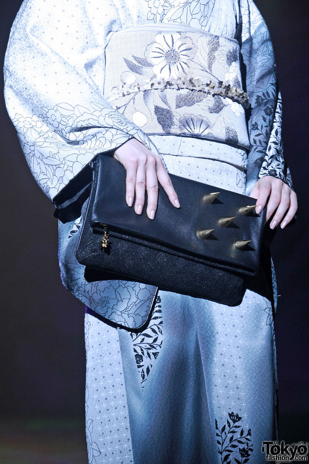Very dangerous kimono purse seen on the runway today at Tokyo Fashion Week!