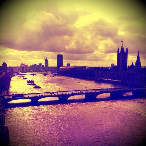 Our city #mylondon #igerslondon #the100club #londonpop #popboom #europopp #ldnrev #ldnlution #squaready #snapseed #pixlromatic #igscout #instagood #london #thames #westminister #housesofparliament #southbank #londoneye (Taken with instagram)