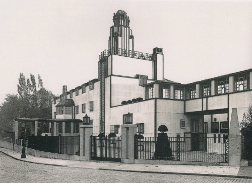 Palais Stoclet in Brussels by Josef Hoffmann, executed by the Wiener Werkstaette, 1905-11  The Neue Galerie reminded me of how much I like Hoffmann's style.