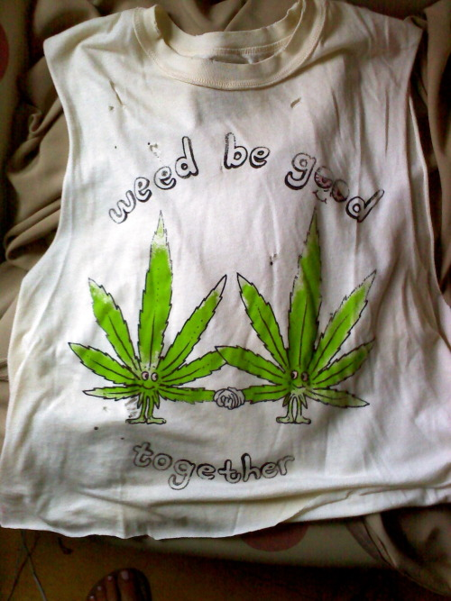 kimberlydreamer:  Yeah, I just got the best shirt ever.