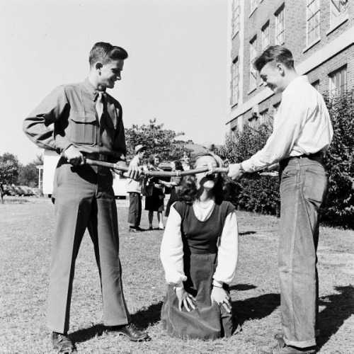 1947 Atlanta Teenagers photographed by Edward Clark. (via vintagegal)