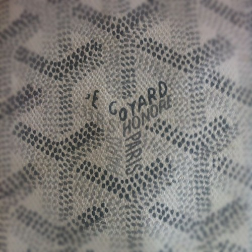 Hand painted 🎨 #craftmanship #luxury #goyard  (Taken with instagram)