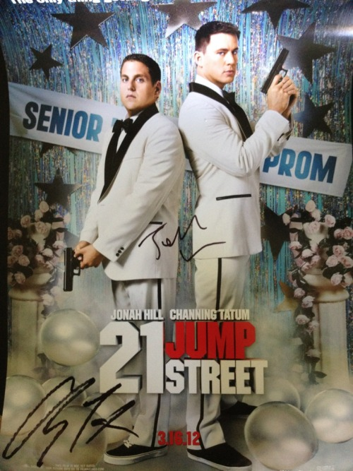 Chan is giving away a '21 Jump Street' poster signed by him and Jonah HIll! Want it? All you have to do is RETWEET this tweet for a chance to win: http://bit.ly/GKWqQz