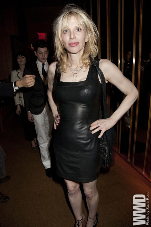 womensweardaily:  Courtney Love at 'The Hunger Games' premiere in New York