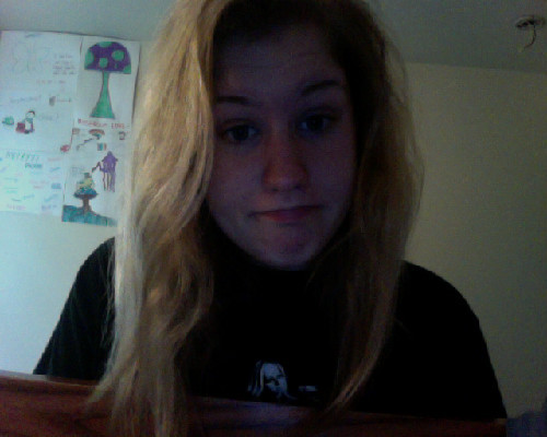 Oh hey guys. It's messy hair day. Woohoo!