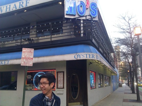 jesse and i have been talking about eating at mo's seafood for literal years, and tonight this dream is becoming a reality