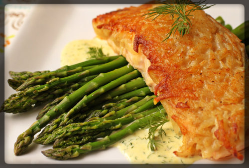 prettygirlfood:  Potato Crusted Salmon with Mustard Dill Sauce  I really would love to have this for dinner sometime!