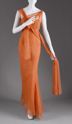 yeoldefashion:  A silk organza evening gown in a gorgeous shade of orange, Schiaparelli, 1939.