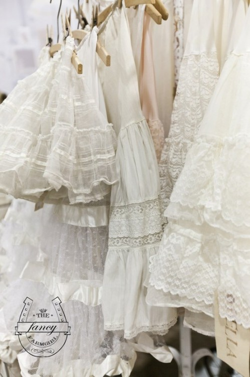 (via Rags&FeathersVintage / Pinterest)