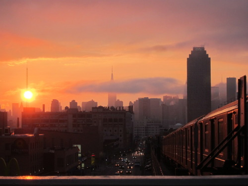 notaqueensphotoblog:  great hazy sunset tonight…