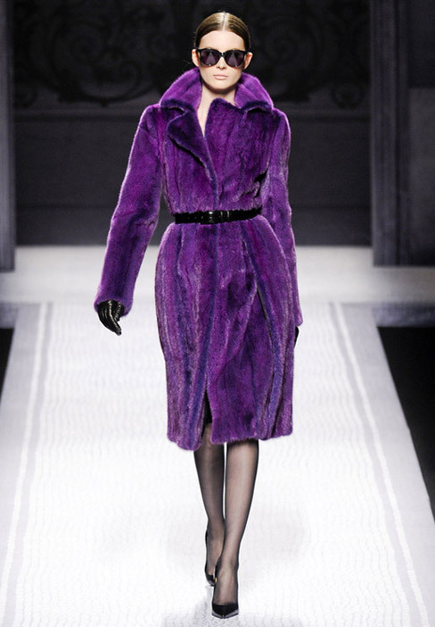Gorgeous Purple Fur Coat ! Alberta Ferretti Fall-Winter 2012.