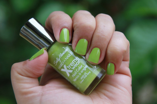 Sally Hansen Hard as Nails in Green with Envy
