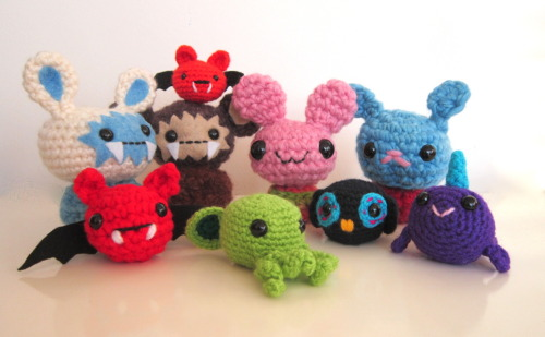 My cute & crazy plushies.  Papakaos' shop has been updated, aaaand you can have a 10% discount for any plushie in the shop.  You just have to enter this code: BUNNY10 at checkout =) Vivian ♥