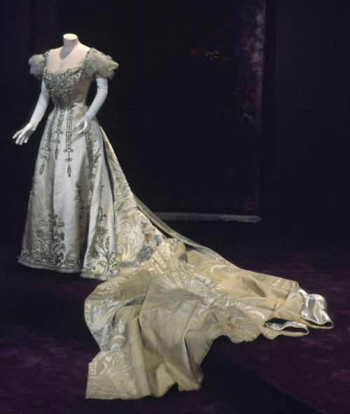 fripperiesandfobs:  Worth court dress, 1892 From the Chicago History Museum