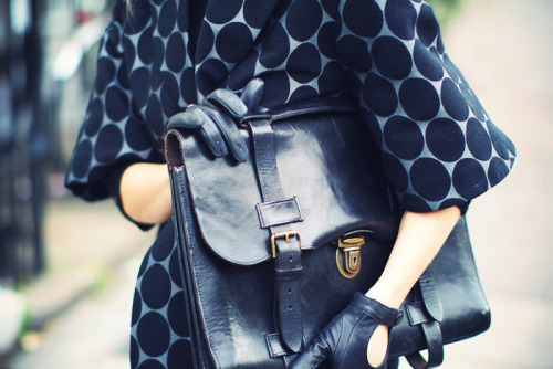 what-do-i-wear:  marni x hm coat vintage bag (image: 5inchandup)