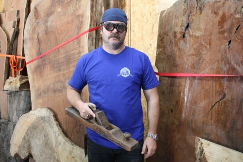 fatmanatee:  The Offerman Woodshop now sells t-shirts.  And other woodsier stuff.