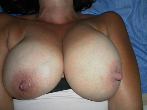 submityourbod:  http://mywifeiscool.tumblr.com/ Check out this amazing submission, now give her a follow and let her know how beautiful and stunning she is. Keep the submissions coming. Don't be shy, gain confidence in your body, gain followers by submitting yourselves, submit here or at SUBMITYOURBOD@hotmail.com You can submit it as anon that way no one will know it is you unless you tell them.