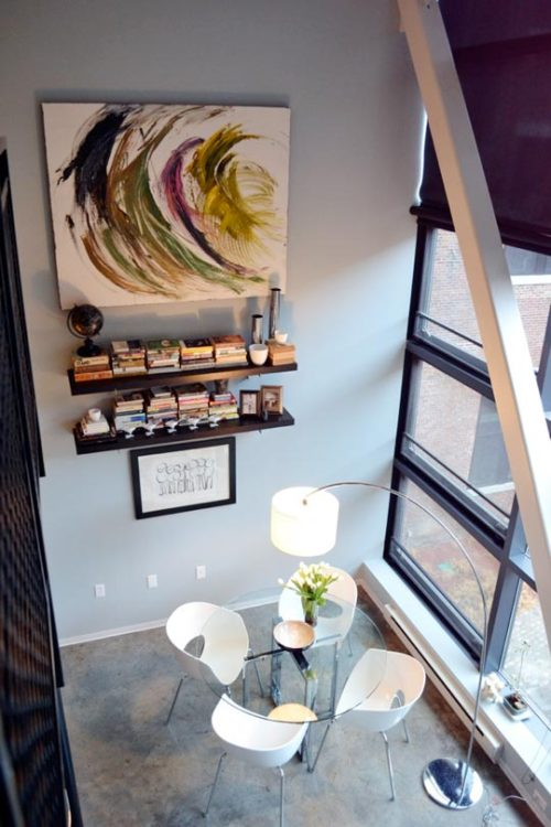 homeandinteriors:   Brian & Kerry Grabowski's Loft   i am actually loving the painting that's hanging on the wall!