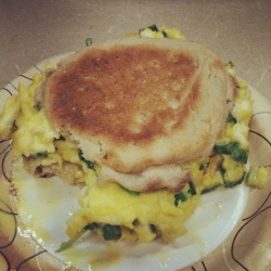 Breakfast 3/22. 2 eggs. 1 slice cheese. 2 bunches fresh chopped scallions. light english muffin. + water with lemon.