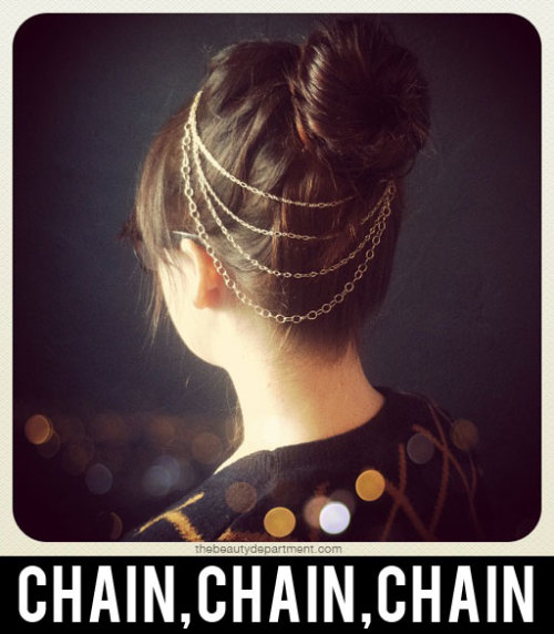truebluemeandyou:  DIY  Chain Necklace Hair Accessory. Hair clip, bobby pins and chains. This is so much easier to put together than it looks and could be done in different ways to dress it up ie pearls strands, or weaving ribbon, embroidery floss or fabric through the chains, etc… Tutorial from The Beauty Department here. EDIT: thank you tullesthephoto for the idea of weaving color strands into the chain!
