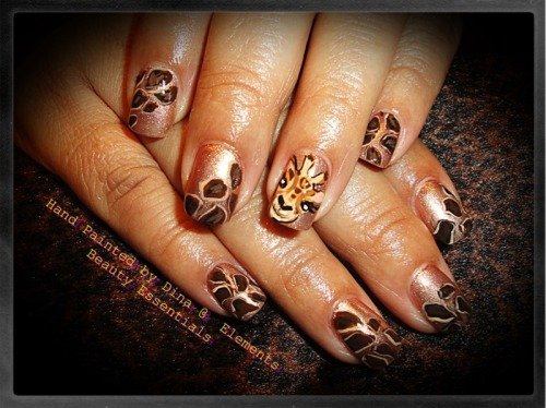 Giraffe Nails via PhotoToaster, using these settings.