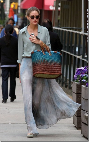 Olivia Palermo - I love the outfit  simple ! :)
