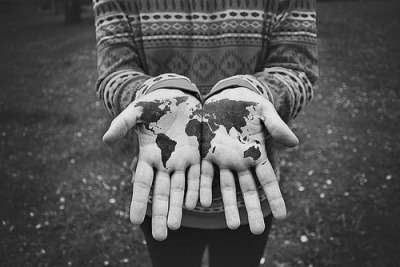 ilovecharts:  He's got the whole world in his hands