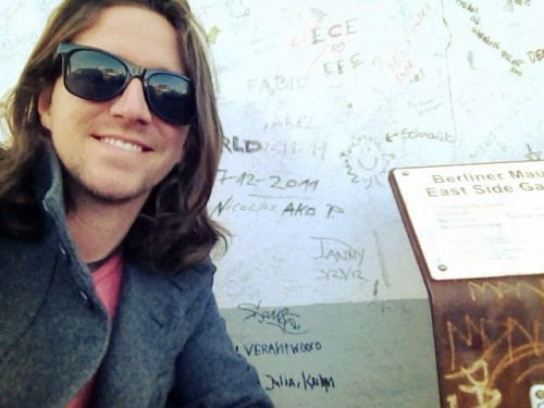 newyorkeyesgifs:  @wethedan  Of course I signed the Berlin wall.