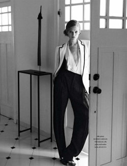 L'Officiel Singapore March 2012 Model: Vita Sidorkina Photographer: Wee Khim