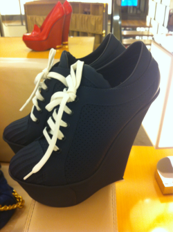 New LOUIS VUITTON Spring/Summer 2012 lace-up wedges. SICK follow me on instagram @jaystrut