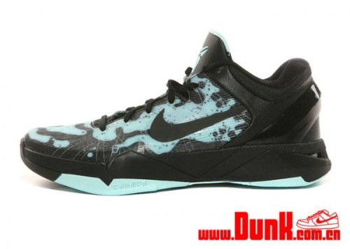 Nike Kobe VII - Easter Poison Dart Frog another look at the upcoming Easter Poison Dart Frog Kobe VII.  the mint candy/black upper is looking great. these are set to release with the other Easter colourways on April 6th. click here for more pics Related articles Nike Zoom Kobe VII 'Poison Dart Frog' - Easter (sneakernews.com)