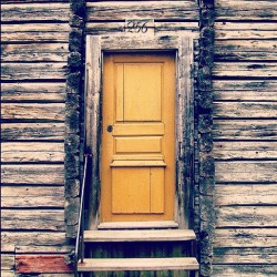 Swedish door #sweden #door #wooden