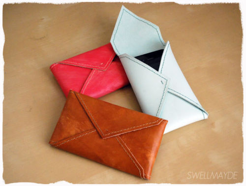 Stunning DIY envelope cell phone case…I'm in love! Now all need is an iphone :) See the whole tutorial from Swell Mayde