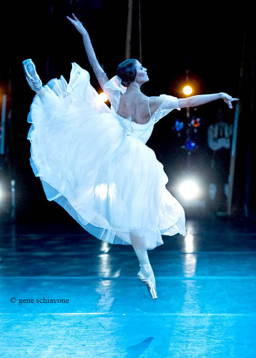 Alina Somova in Giselle. Photo (c) Gene Schiavone.