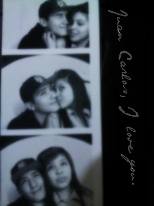 us at the mall taking pictures in the photobooth perfect day<33