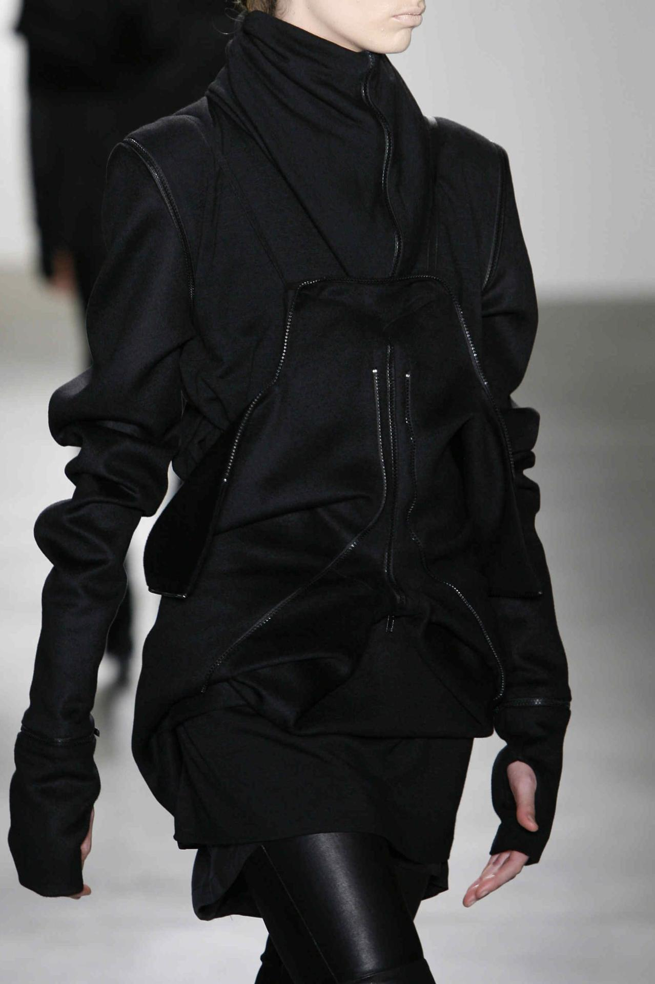 lamodeasauvemavie:  Rad Hourani AW10/11  need to caup that jacket.