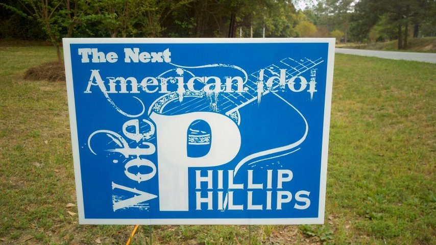 The Next American IdolVote Phillip Phillips !!