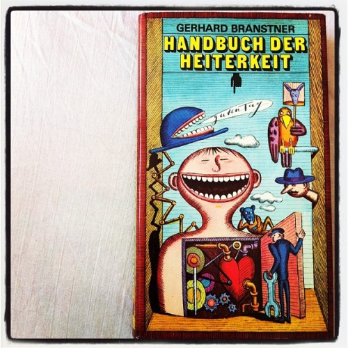 day 19 | funny #marchphotoaday #marchphotochallenge #funny #vintagebook #funnybook #photooftheday #day19 (Taken with instagram)